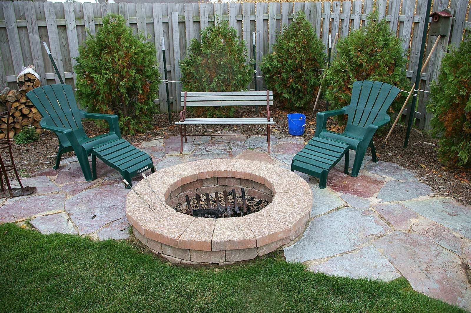 Fire pit and landscape design in appleton wi for Outdoor landscaping