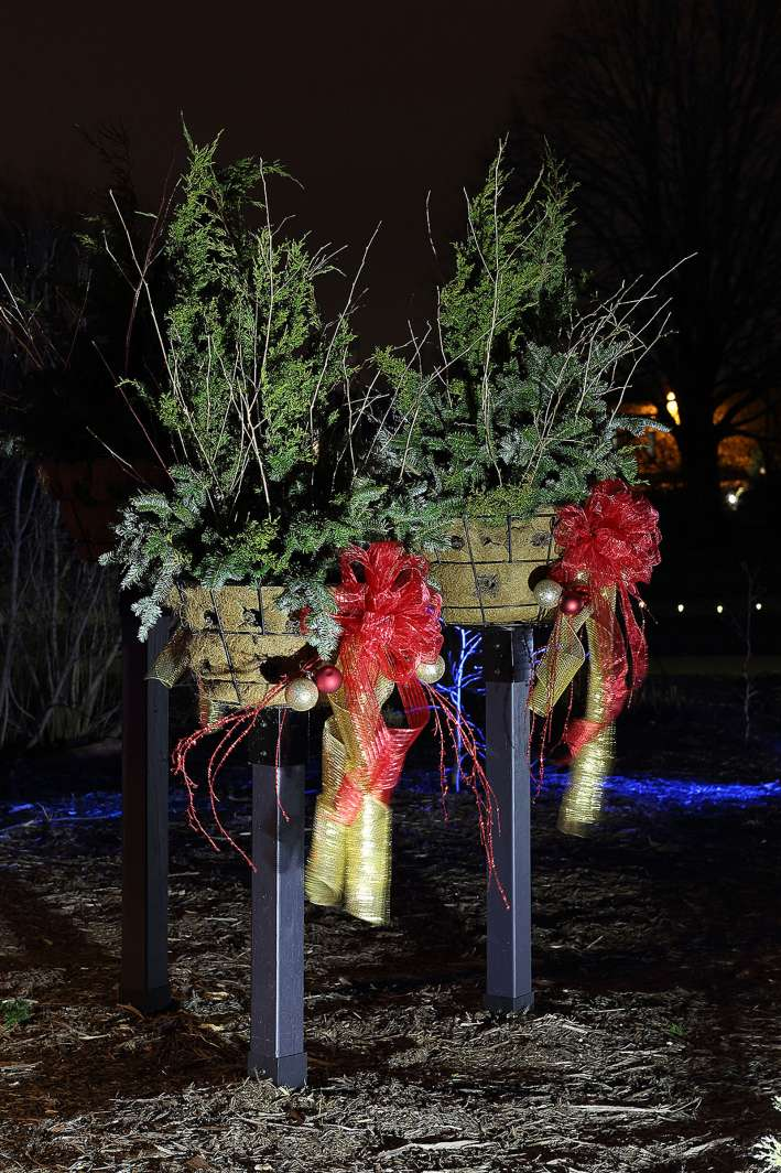 Holiday Display and Seasonal Outdoor Decorations in Appleton WI & Holiday and Seasonal Lighting in Appleton Wisconsin