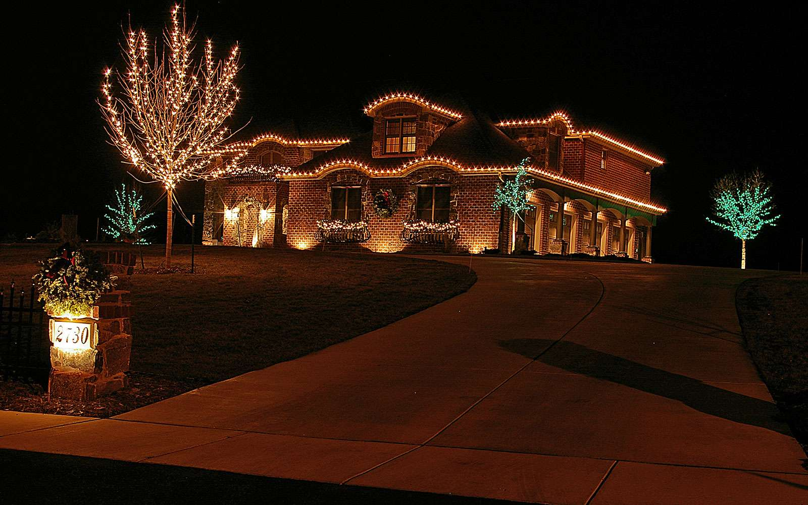 Holiday Display and Seasonal Outdoor Decorations near Green Bay WI & Holiday and Seasonal Lighting in Appleton Wisconsin azcodes.com