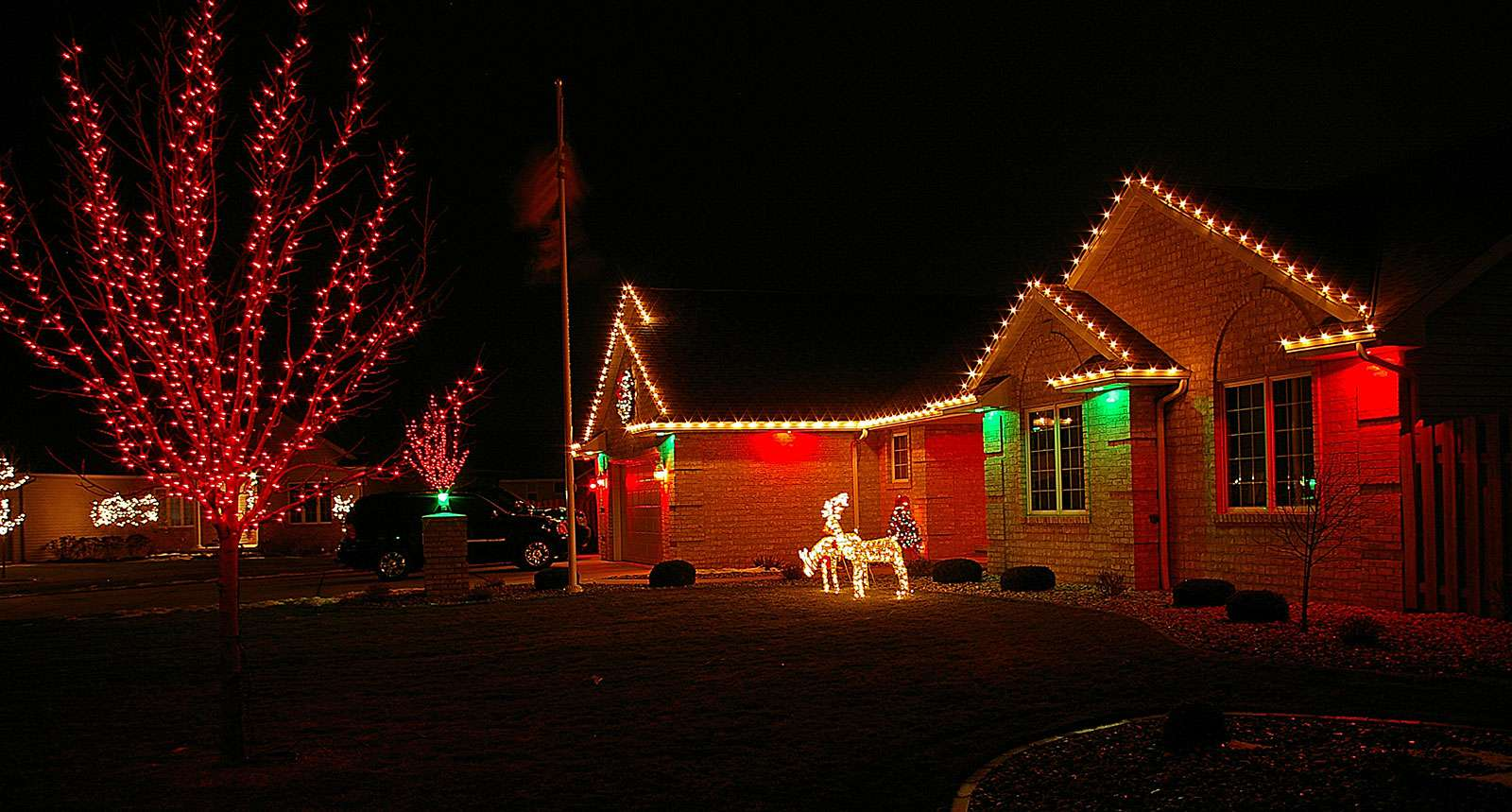 Professional Holiday Lights in Appleton WI & Holiday and Seasonal Lighting in Appleton Wisconsin azcodes.com