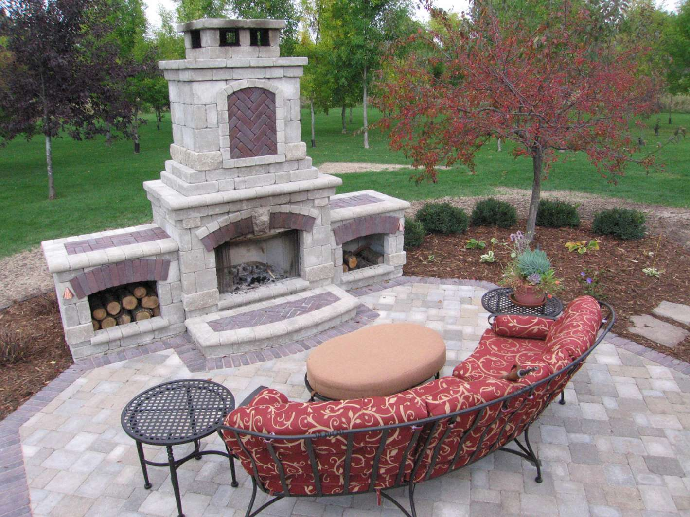 Outdoor fireplace landscaping design in appleton wi for Patio fireplace plans