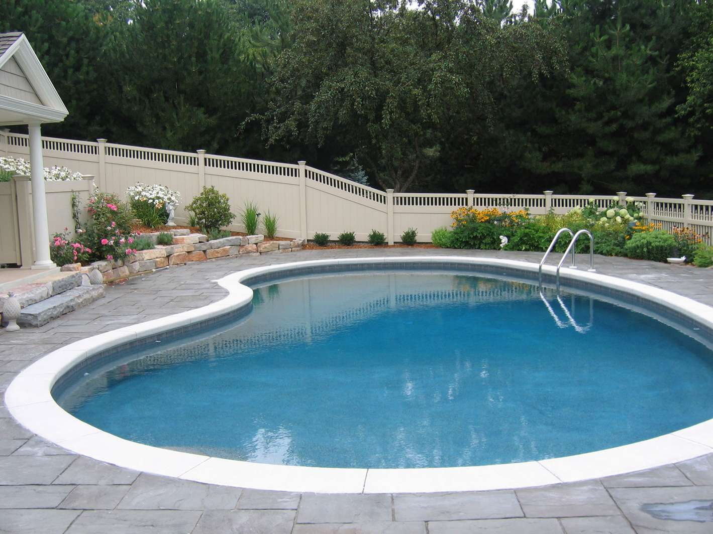 Pool design and installation photo gallery in appleton wi for Pool design inspiration