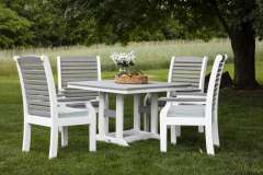 Outdoor Dining Table and Chairs from Berlin Gardens