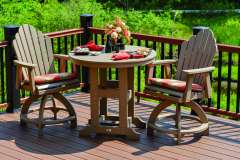 Outdoor Table and Chairs Made from Recycled Materials
